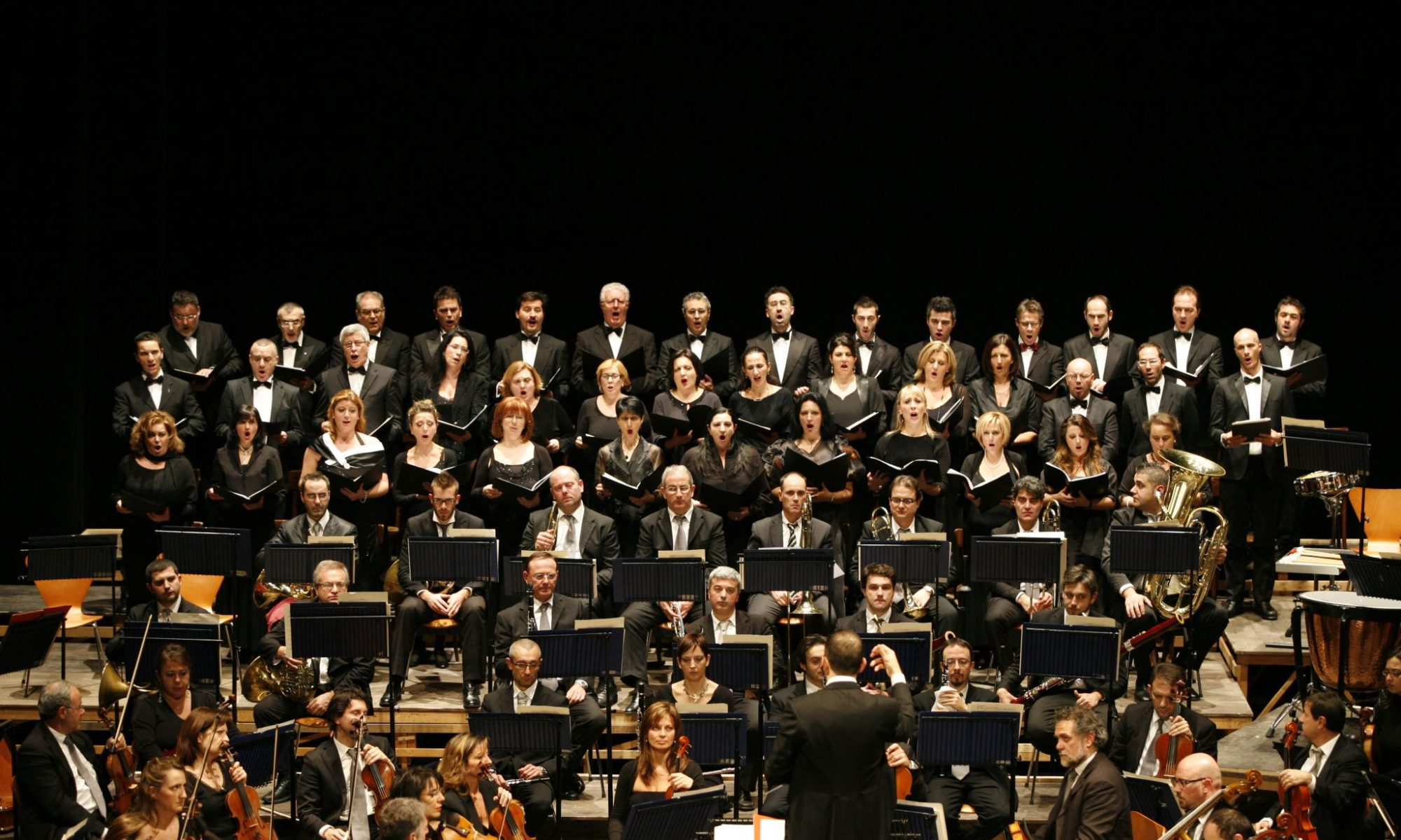 Coro Lirico Marchigiano VINCENZO BELLINI